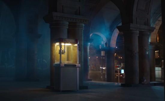 кадр из грузинской рекламы про попкорн